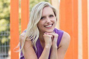 Katie Momo in-house copywriter